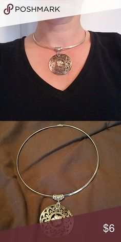 Silver choker w/oyster shell medallion Beautiful necklace.  The medallion can be removed and put on a chain depending on your need. Jewelry Necklaces