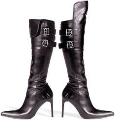 Pirate wedding ideas, brides maid boots