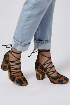 Photo 2 of GOLD Round Toe Ghillie Shoes