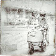 De cálidas tardes fiel compañero del sol a sombra caminante incansable alcanzarme hasta saciar mi sed... #FotoConCelu #fotoconelmovil #smartPhoto #santacruzniteimaginas #SantaCruz #streetstyle #streetworkout #somo #picoftheday #photooftheday #f4f #l4l #insta #ferfoto