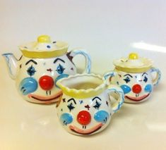 This is a wonderful rare vintage clown teapot set. Perfect way to cheer up any kitchen! Set includes teapot with lid, sugar bowl with lid, and Pixie, Cute Clown, Vintage Clown, Clowning Around, Circus Clown, Art Inspiration Drawing, Tea Pot Set, Cool Mugs, Ceramic Teapots