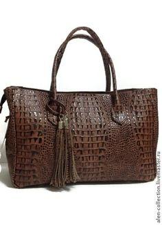 Сумка`Гламур Шик`коричневая из натуральной кожи. Натуральная итальянская кожа.  Сумочка выполнена из натуральной кожи ручной работы(ручная прокраска рисунка)  Стоимость сумочки в этой коже+500 руб.к стоимости!  Стильная,модная,удобная модель на каждый день!