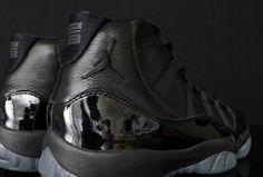 Air Jordan XI Blackout