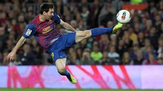 Leo Messi is the best player in the world. Fc Barcelona, Messi Pictures, Messi Pics, Messi Player, Good Soccer Players, Play Soccer, One Team, Lionel Messi, Real Women