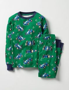 All sorts of strange things happen after dark: owls start hooting, hedgehogs come out to play and cosy long johns magically light up the night. With these fun glow-in-the-dark designs made from supersoft cotton, space cadets will snooze happily while they dream of their next mission.