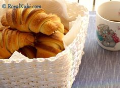 Peynirli Kolay Kruvasan Food And Drink, Bread, Cheese, Cake, Art Projects, Canvas Art, Recipes, Cooking, Brot