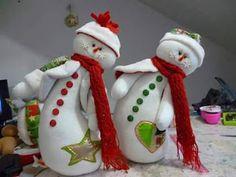 Snowman Christmas Decorations, Felt Christmas Ornaments, Snowman Crafts, Christmas Snowman, White Christmas, Christmas Time, Christmas Crafts, Holiday Decor, Homemade Crafts