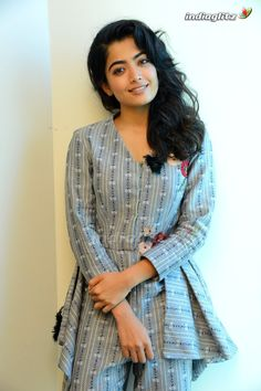Indian Heroine Photo, South Indian Actress Photo, Indian Actress Photos, Indian Actresses, Bollywood Actress Hot Photos, Bollywood Girls, Most Beautiful Indian Actress, Beautiful Actresses, New Girl Style