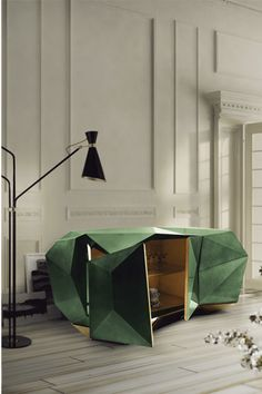 With the style of a precious jewel, the new Diamond sideboard, coloured in green emerald, will make a splash in interior design since it is one of the hottest colour trends for 2013. Know all about it in the article!