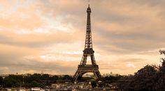 Wieża Eiffla jest prawdopodobnie najbardziej rozpoznawalną budowlą świata. Sprawdź dlaczego przyciąga miliony turystów!