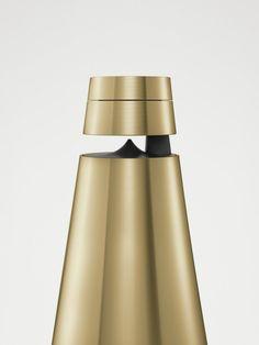 Cool Modern Collection de Bang & Olufsen, une ode au laiton et à l'élégance - Journal du Design
