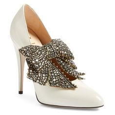 Women's Gucci Elaisa Bow Pump (23.943.030 IDR) ❤ liked on Polyvore featuring shoes, pumps, white leather, white sparkle pumps, sparkly pumps, white shoes, polish shoes and white stiletto pumps
