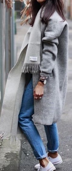 Outfit inspiration for AW16 Simple jeans, grey oversized coat and could be completed with one of our grey 100% lambswool scarves. Take a look: http://www.glenprince.com/100-lambswool-plain-scarf.html