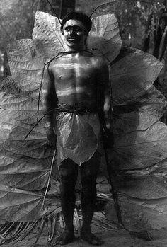 Lourdes Grobet mariposa oxolotán infrarrojo blanco y negro 11x14 pulgadas serie laboratorio de teatro campesino e indígena