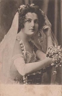 pretty bride by Lilly's Lace, via Flickr
