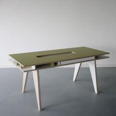 ARRé Design Insekt Desk Adult Gn / by ARRE Design