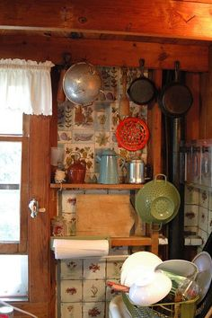 vintage cottage kitchen. This looks like my grandma's kitchen in the country. Memories