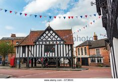 the-market-square-in-newent-gloucestershire-uk-gt3bx0.jpg (640×447)