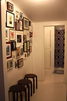 gallery wall #http://gallery.apartmenttherapy.com/photo/la-erin-davis-house-tour/item/215102