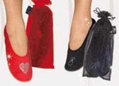 BALLERINE VELLUTO CON SACCHETTO CUORE. Ballerina in velluto con sacchetto e disegno di un cuore in strass nei colori rosso e nero. Tg. 36/37-38/39-40/41