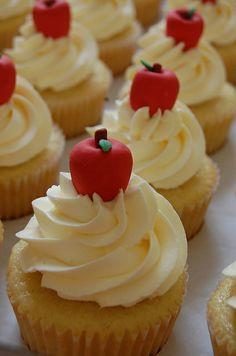 SnowWhite's Cupcake | Flickr - Photo Sharing!