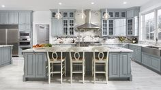 An amazing gray and white kitchen using CliqStudios Cambridge cabinets in Harbor gray. Beautiful Kitchen Designs, Beautiful Kitchens, Cabinet Decor, Cabinet Design, Kitchen Paint, Kitchen Decor, Kitchen Ideas, Kitchen Trends, Kitchen Interior