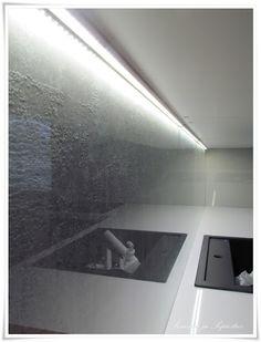 Keittiö Kitchen Interior, Backsplash, My Dream, Flat Screen, Home, Ideas, Magnets, Blood Plasma, House