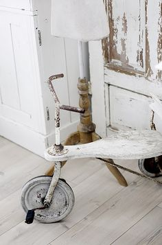 * vintage tricycle (on the hunt)