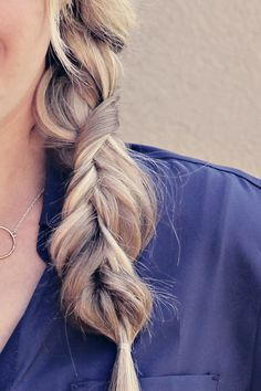 What's fabulous about this hairstyle is that you don't need to be able to braid to complete this look! Ta-da! It's hands down THE easiest hairstyle to date. AND IT'S GORGEOUS!!
