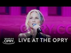 "Watch Jennifer Nettles' Stunning Version of ""UnLove You"" on the Grand Ole Opry Stage 