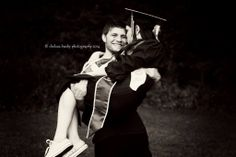 Photo with my boyfriend after graduation. Volleyball Senior Pictures, College Graduation Pictures, Senior Pictures Boys, Grad Pics, Couple Pictures, Graduation Ideas, Picture Poses, Picture Ideas, Photo Ideas