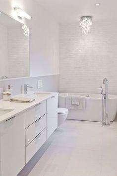 White Vanity Bathroom Ideas New 20 Flawless All White Bathroom Designs Small White Bathrooms, Modern White Bathroom, White Vanity Bathroom, Modern Vanity, Bathroom Small, Luxury Bathrooms, Dream Bathrooms, Modern Bathroom Vanities, Bathroom Ideas White