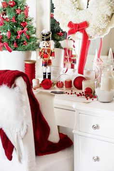Christmas is just around the corner and today I'll be sharing with you a little tour into our tiny L. home rental. The lovely home tours are hosted by the ever so sweet Ashley from Cherished Bliss and Country Living thank you so much. Country Christmas, Christmas Home, White Christmas, Christmas Holidays, Christmas Ideas, Work Cubicle Decor, Christmas Desk Decorations, Christmas Interiors, Country Decor
