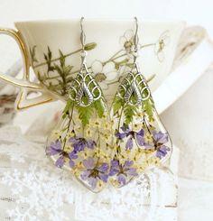 крылья бабокиimage Cute Jewelry, Jewelry Crafts, Handmade Jewelry, Flower Jewelry, Flower Earrings, Drop Earrings, Resin Jewlery, Crystal Resin, Resin Charms