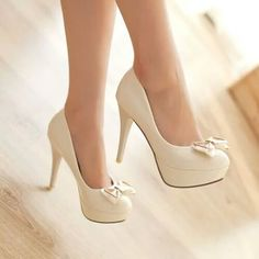 40 Of The Most Popular Fashionable Pumps You've Ever Seen design-pumps-sweet-bowknot-slim-heel-elegant-shoes Prom Shoes, Wedding Shoes, Women's Shoes, Me Too Shoes, Shoe Boots, Chanel Wedding, Shoes Heels Pumps, Nude Pumps, Bridal Shoes
