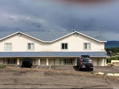 888 NEWBERG DR #2, GARDEN CITY, UT 84028 - Town & Country Bear Lake Realty If you are looking for a way to have a Bear Lake retreat, here it is. The condo is head and shoulders above the rest in Harbor Village. Great investment property. Rent it out on the weekends you aren't using it and  wam bam you helped pay your expenses. Call me to see this great opportunity! 435-779-0012