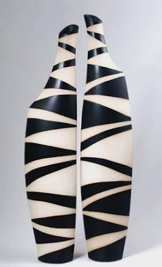 contemeporary-black-and-whits-vases-  Monika Jeannette Schödel-Müller