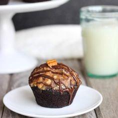 Flourless German Chocolate Quinoa Cupcakes - Making Thyme for Health Quinoa Cupcakes, Fun Cupcakes, Cupcake Cakes, Quinoa Cake, Cup Cakes, German Chocolate Cupcakes, Chocolate Treats, Gluten Free Chocolate, How To Cook Quinoa