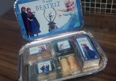 Kit Festa Escolar | Mimos da Joka | Elo7 Frozen Birthday Party, Frozen Party, Birthday Parties, Cake Toppers, Kids Room, Lunch Box, Packaging, School, Moana