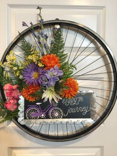 Bicycle Crafts, Bicycle Decor, French Farmhouse Decor, Unique Trees, Bicycle Wheel, Hanging Wall Art, Summer Wreath, How To Make Wreaths, Diy Wreath