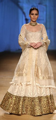 ~ Living a Beautiful Life ~ Rimple & Harpreet Narula at India Couture Week 2014 - bridal gold lehnga Pakistani Outfits, Indian Outfits, Pakistani Sharara, India Fashion, Asian Fashion, High Fashion, Rimple And Harpreet Narula, Indian Attire, Indian Wear
