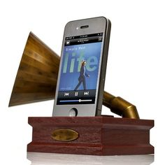 "Being an old-fashioned girl, I love this!  Retro dock and amplifier for iPhone:  ""Gramm-i-phone"""