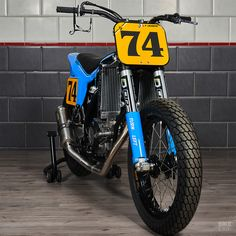 When top French rally driver Pierre Lachaume wanted a race bike, he called Freeride Motos. This vintage-styled KTM SX-F is the delicious result. Flat Track Motorcycle, Flat Track Racing, Motorcycle Gear, Baby Blue Paint, Rally Drivers, Ktm 450, Brat Cafe, Flat Tracker, Aluminum Radiator
