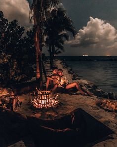 Discover the best romantic getaways. Vacation packages can help make any romantic getaway more affordable. Romantic Beach, Romantic Honeymoon, Romantic Couples, Beach Romance, Romantic Nature, Romantic Travel, Best Island Vacation, Big Island Hawaii, Beach Cottages