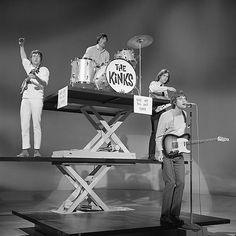 The Kinks 1965. Look at Ray. Sigh...