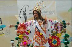 Traje típico  Manta Guajira - Ly Jonaiti in Miss Universe 2007 Folk Costume, Costumes, Universe, Fantasy, Birthday, Wealth, Vestidos, Carnival, Venezuela
