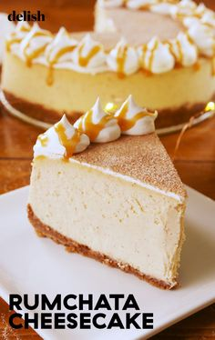 Cheesecake You Wont Find This RumChata Cheesecake At The Cheesecake Factory.YETDelishYou Wont Find This RumChata Cheesecake At The Cheesecake Factory. Cinnamon Cheesecake, Cheesecake Desserts, No Bake Desserts, Just Desserts, Dessert Recipes, Coquito Cheesecake Recipe, Rumchata Recipes, Carmel Cheesecake, Sweets