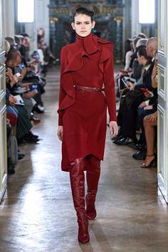Elie Saab Fall 2019 Ready-to-Wear Collection - Vogue Mono Beautiful! Couture Fashion, Runway Fashion, High Fashion, Fashion Trends, Paris Fashion, Women's Fashion, Fashion Inspiration, Luxury Fashion, Fashion Dresses