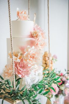 L'Estelle Photography, florals by Bootah Jardin Flowers and Desserts by Hello Sunshine Cake Studio