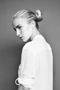 Black and White Photography Portrait of Beth Whitson Looks Style, Looks Cool, White Photography, Portrait Photography, Twisted Hair, My Hairstyle, Easy Hairstyles, Mode Inspiration, Hair Dos